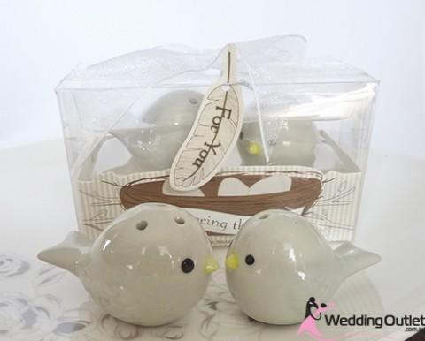 bird-salt-pepper-shakers-wedding-favors
