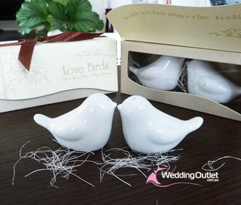 bomboniere-doves-salt-and-pepper-shakers-australia