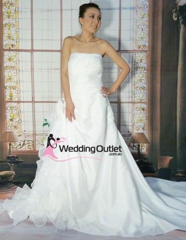 plus-size-wedding-dresses-laura