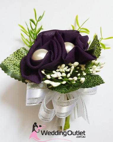 purple-corsages-bouquets-wedding