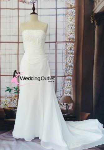 beach-wedding-dresses-australia-delia