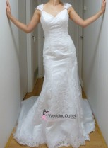 chantelle-vintage-wedding-dresses-model-front