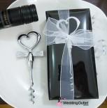 cork-screw-wedding-favour
