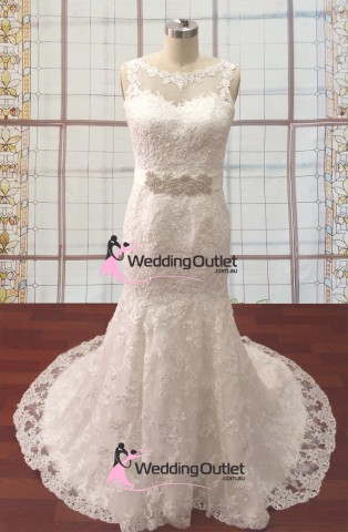 vintage-boat-neckline-lace-wedding-gown-srey